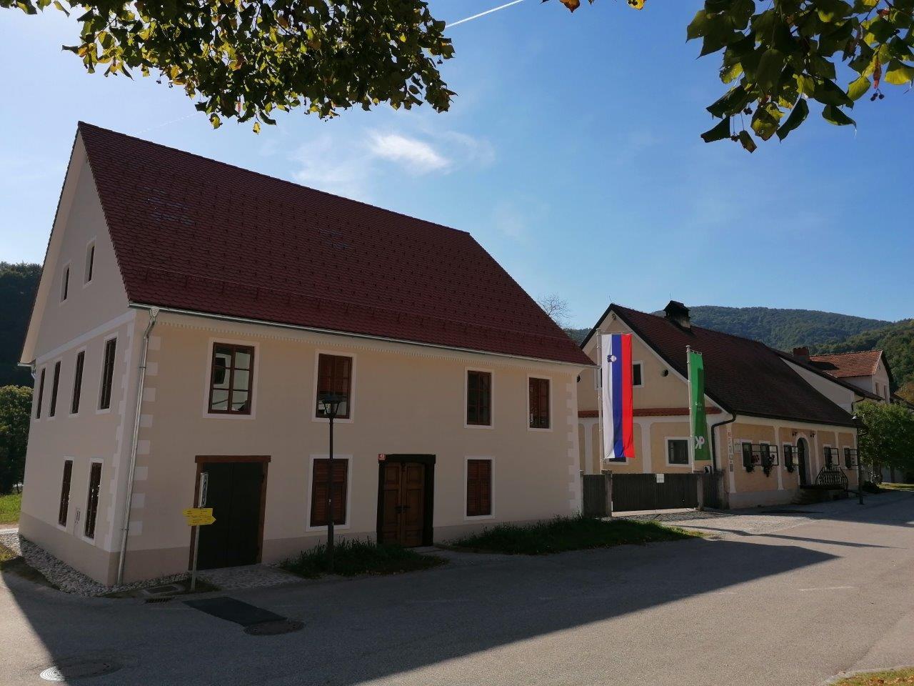 20210909_obnovljena-Tončkina-hiša-Podsreda_NKG-3
